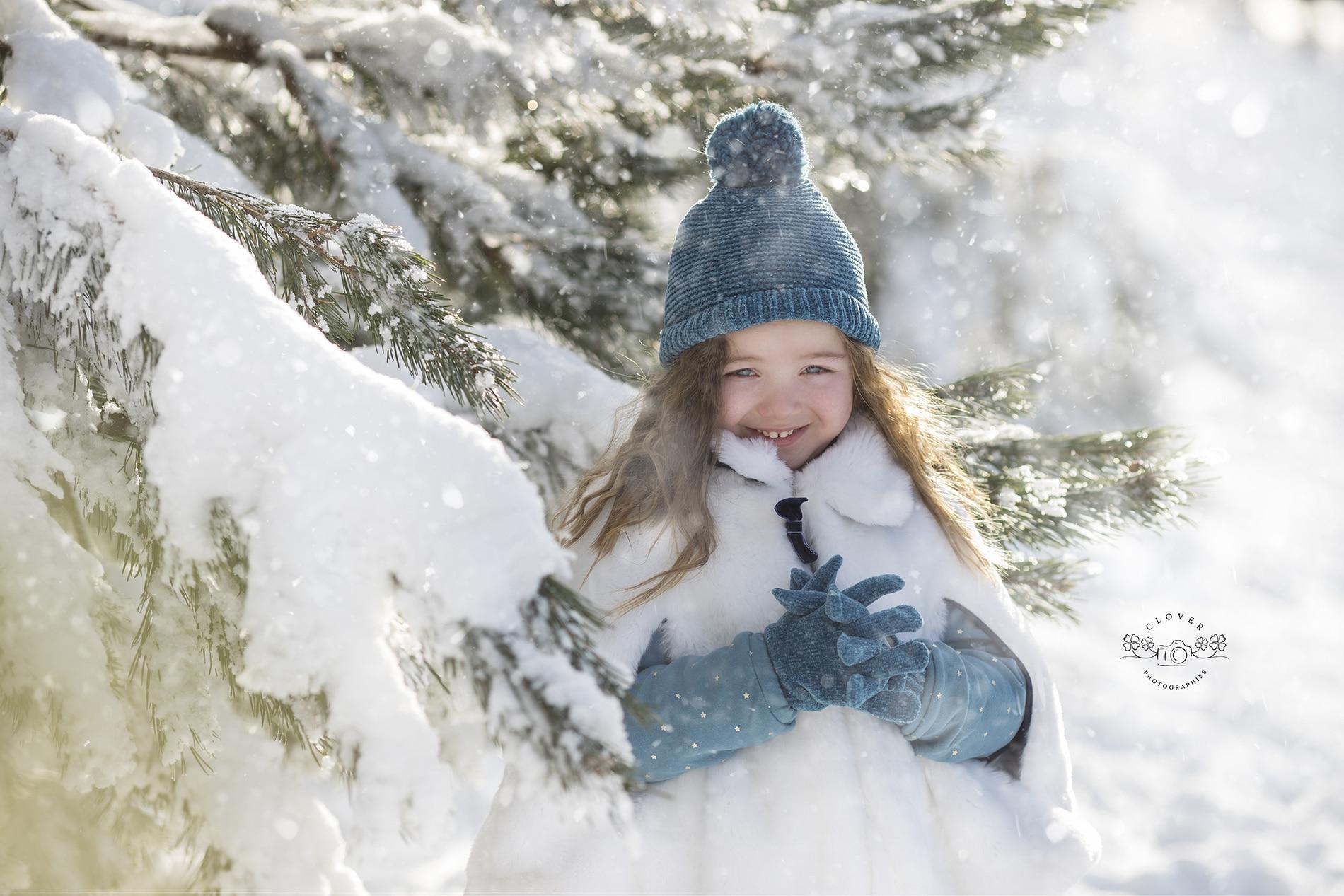 Séance photo enfant - portrait fine art - neige Strasbourg - Clover Photographies
