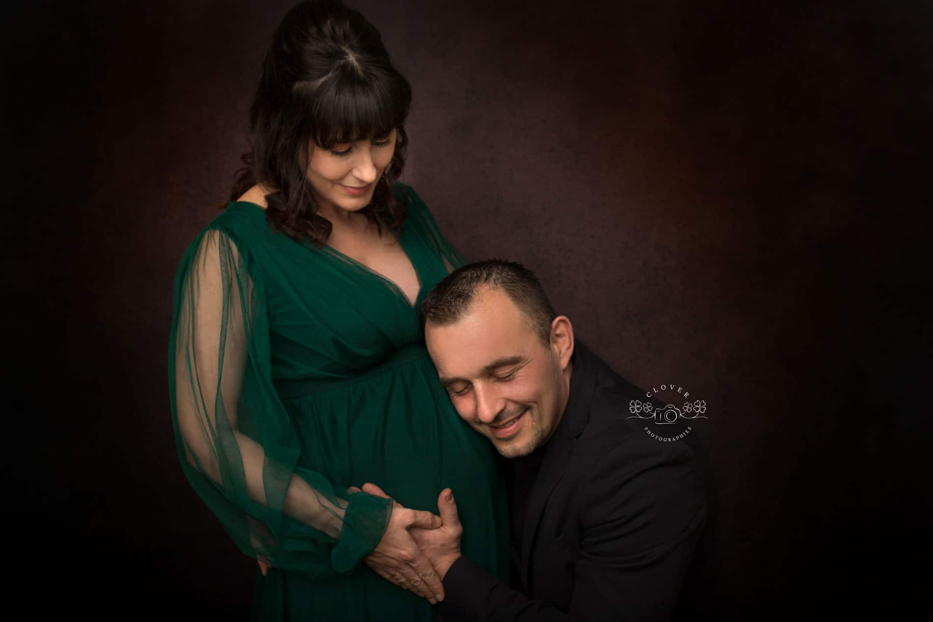 photographe grossesse Strasbourg en studio - Clover Photographies