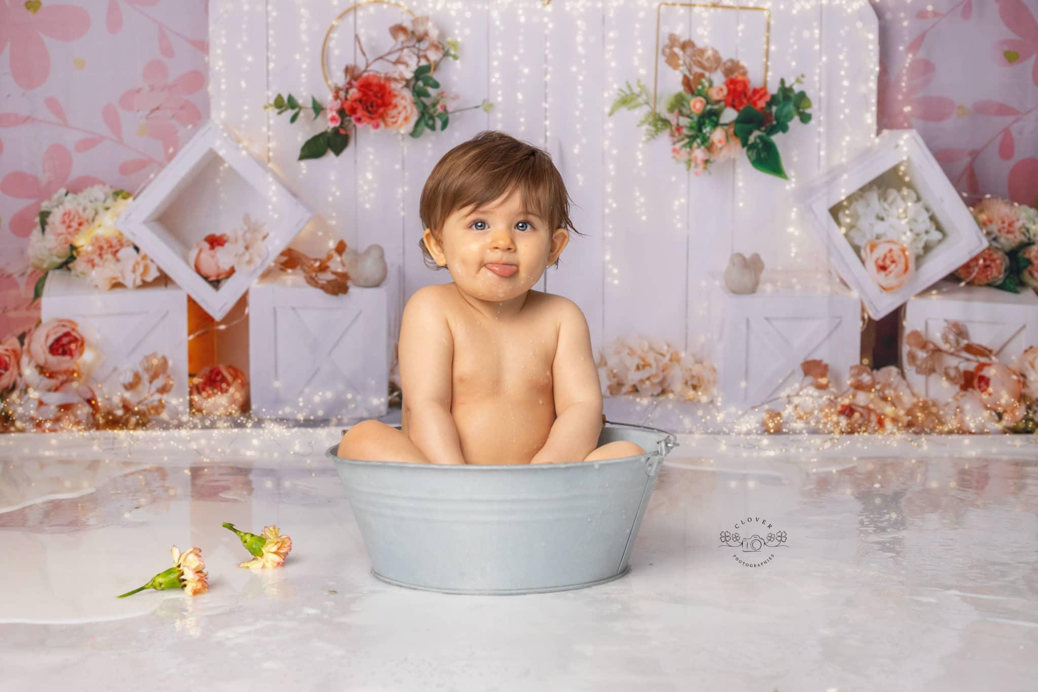 séance photo bébé bain de lait anniversaire smash the cake - clover photographies